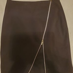 Studio 400 The Limited Size 4 Black Skirt